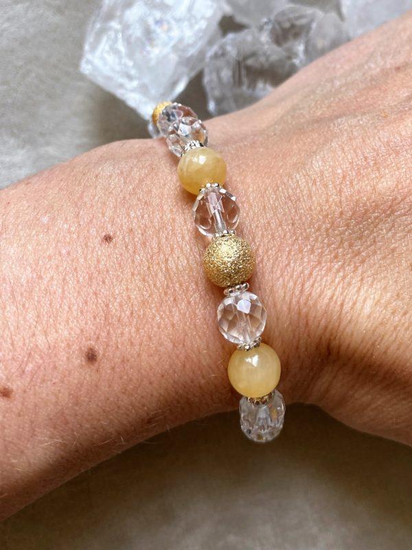 Edelsteinarmband Bergkristall facettiert mit Orangencalzit - innere Mitte und Ausgeglichenheit 2 SanjaNatur