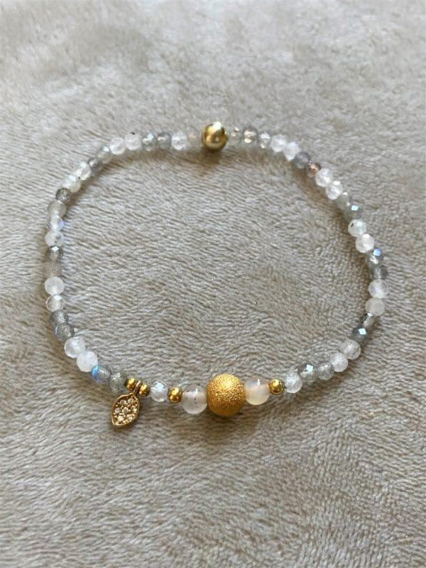 Edelsteinarmband glitzernder Labradorit mit Carneol und gold Blättchen - Faszination 3 SanjaNatur