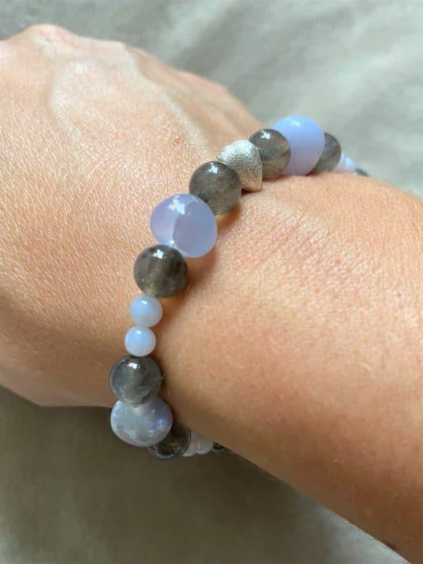Edelsteinarmband Labradorit mit blauen Chalzedon - Aufmerksamkeit und Kreativität 4 SanjaNatur