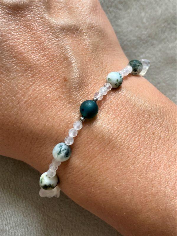 Edelsteinarmband Moosachat mit Mondstein, Labradorit und grünem Achat - Mut und Klarheit 1 SanjaNatur