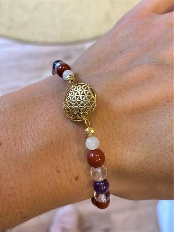 Edelsteinarmband roter Jaspis mit Amethyst und Bergkristall - goldene Blume des Lebens 2 SanjaNatur