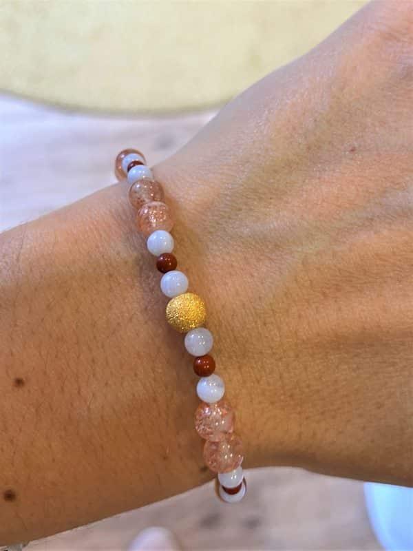 Edelsteinarmband roter Jaspis mit Sonnenstein und blauen Chalzedon- kraftvolle Zufriedenheit 1 SanjaNatur