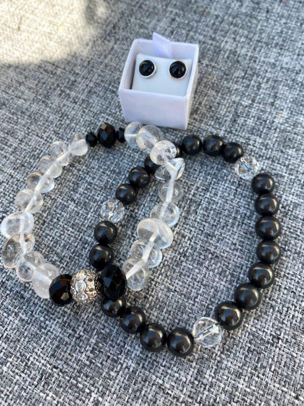 Set - 2 Edelsteinarmbänder Bergkristall und Schungit mit passenden Edelsteinohringen Onyx Schutz und Sicherheit 1 SanjaNatur