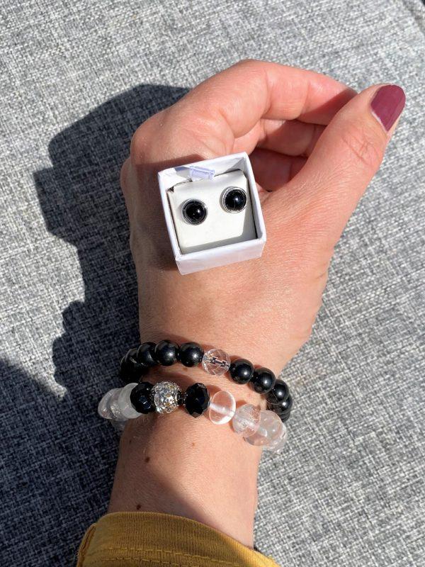 Set - 2 Edelsteinarmbänder Bergkristall und Schungit mit passenden Edelsteinohringen Onyx Schutz und Sicherheit 3 SanjaNatur