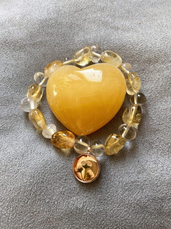 Set: Edelsteinarmband Citrin und Bergkristall mit Blütenanhänger + Orangencalzit Herz - Selbstliebe 1 SanjaNatur