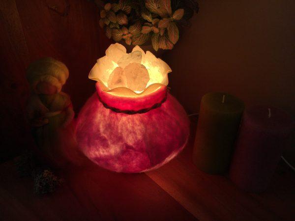 Edelstein Filzlampe 018 - rosa glanzfein weiß mit Bergkristall und Rosenquarz 3 SanjaNatur