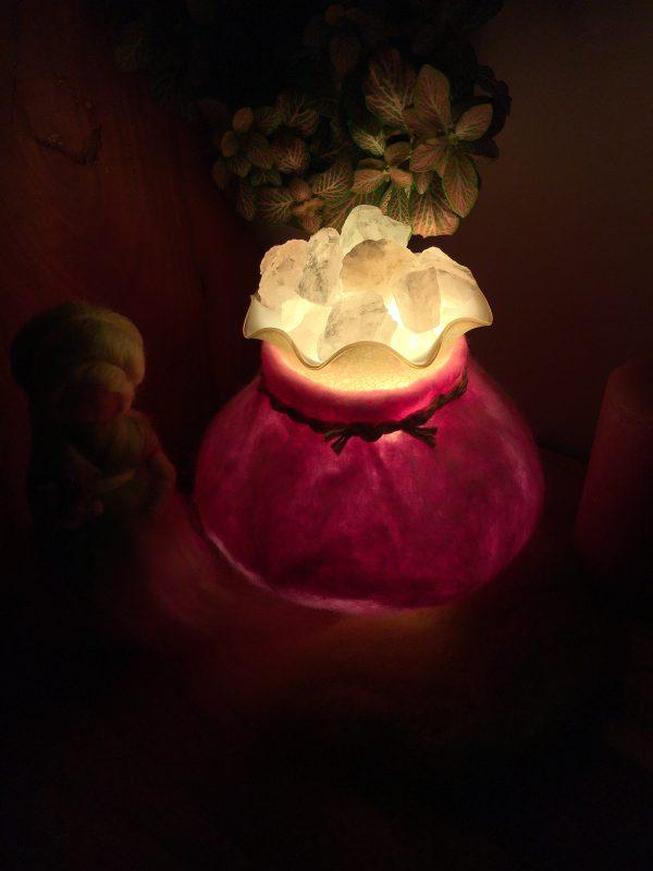 Edelstein Filzlampe 018 - rosa glanzfein weiß mit Bergkristall und Rosenquarz 5 SanjaNatur