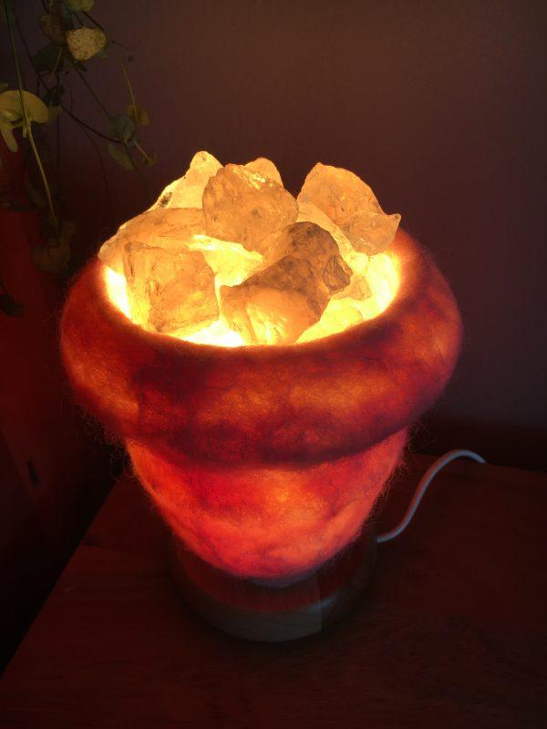Edelstein Filzlampe 015 - rosa glanzfein weiß mit Bergkristall und Rosenquarz 10 SanjaNatur