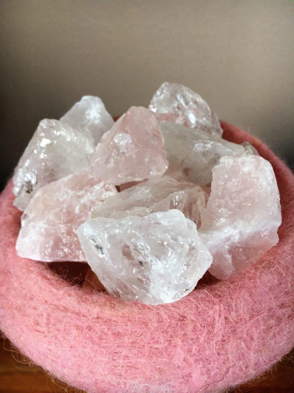 Edelstein Filzlampe 015 - rosa glanzfein weiß mit Bergkristall und Rosenquarz 4 SanjaNatur