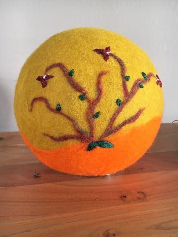Filzlampe Ø27cm Blumendesign 016 -  Feng Shui - gelb orange 9 SanjaNatur