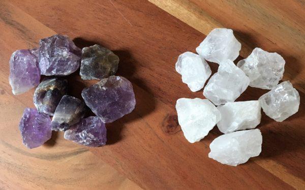 Edelstein Filzlampe 019 - lila glanzfein weiß mit Bergkristall und Amethyst 11 SanjaNatur
