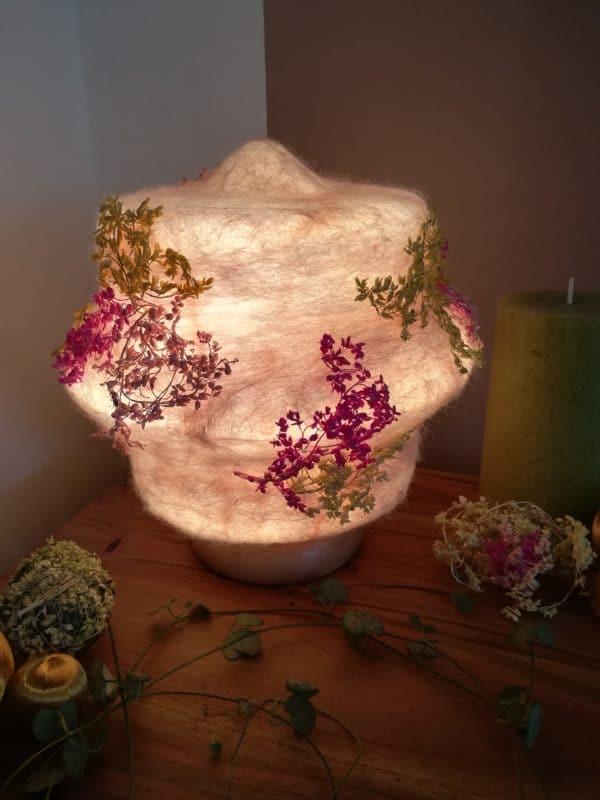 Filzlampe 023 mit echten Blüten - Kirschblüte im Frühling 1 SanjaNatur