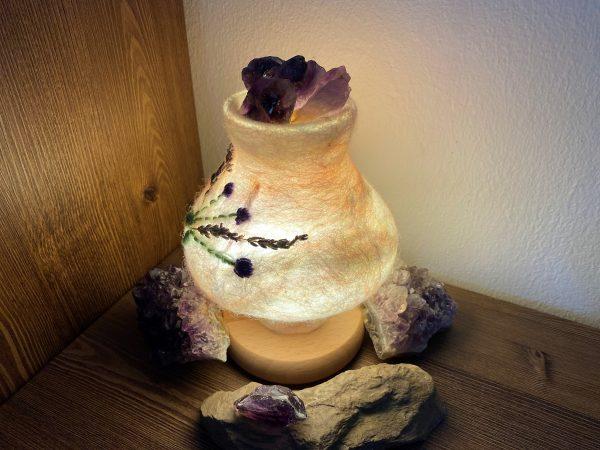 Edelstein Filzlampe 024 - Lavendel glanzfein weiß mit Amethyst und echtem Lavendel 4 SanjaNatur