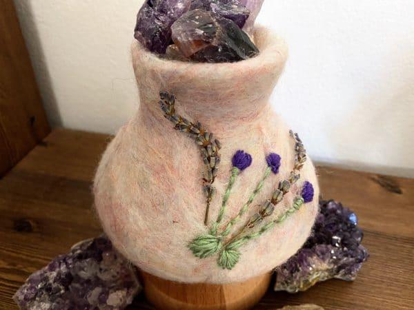 Edelstein Filzlampe 024 - Lavendel glanzfein weiß mit Amethyst und echtem Lavendel 6 SanjaNatur