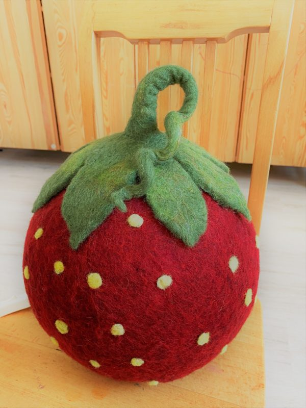 "Filzlampe Ø27cm 046 - Erdbeere ""Erdbert"" 2 SanjaNatur"