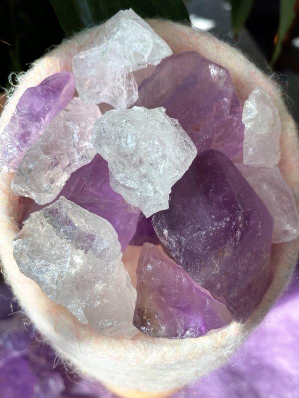 Edelstein Filzlampe 047 - glanzfein weiß mit Amethyst, Bergkristall und Salzkristall 5 SanjaNatur