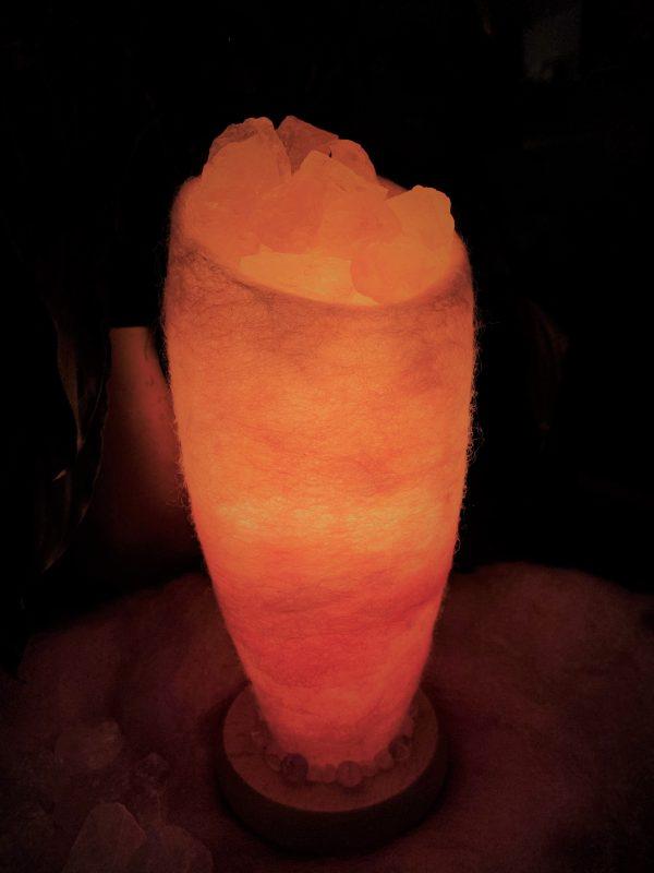 Edelstein Filzlampe 048 - glanzfein weiß - rosa mit Rosenquarz, Bergkristall und Salzkristall 6 SanjaNatur