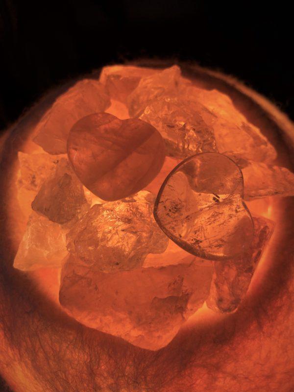 Edelstein Filzlampe 060 - rosa + glanzfein weiß mit Rosenquarz, Bergkristall und Salzkristall 5 SanjaNatur