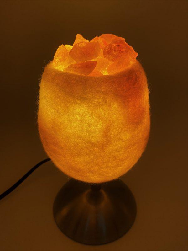 Edelstein Filzlampe 079 - creme/weiß mit Citrin, Orangencalzit und Bergkristall 1 SanjaNatur