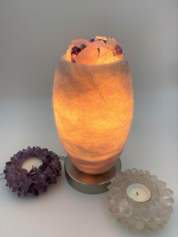 Edelstein Filzlampe 080 - glanzfein weiß mit Amethyst, Bergkristall, Rosenquarz und Salzkristall 2 SanjaNatur