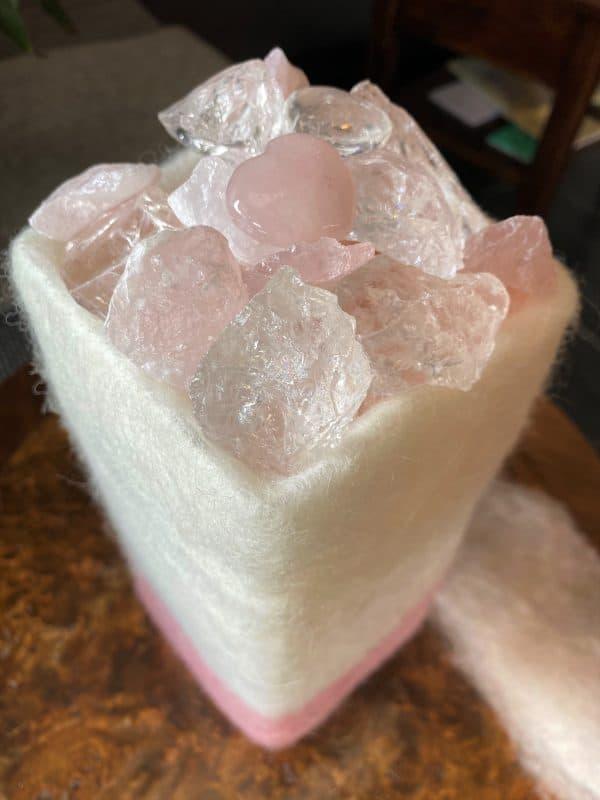 Edelstein Filzlampe 075 - Rosenquarz mit Bergkristall und Salzkristall - Vertrauen und Liebe 7 SanjaNatur