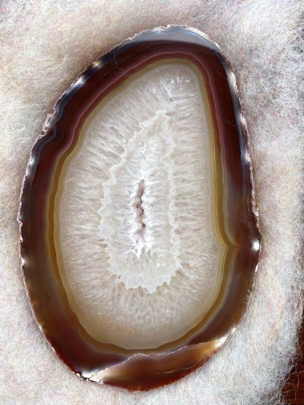 Achatscheibe Seelenfrieden 008 mit Holzständer und Teelicht 4 SanjaNatur