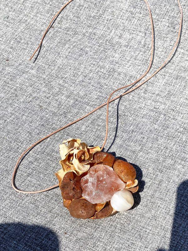 Tisch -Wand- Amulett Schwangerschaft  02 mit Carneol, weißem Achat und Bergkristall 3 SanjaNatur