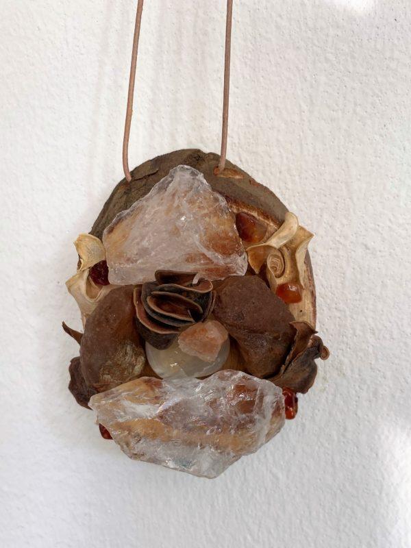 Tisch -Wand- Amulett Schwangerschaft 01 mit Carneol, weißem Achat und Bergkristall 5 SanjaNatur