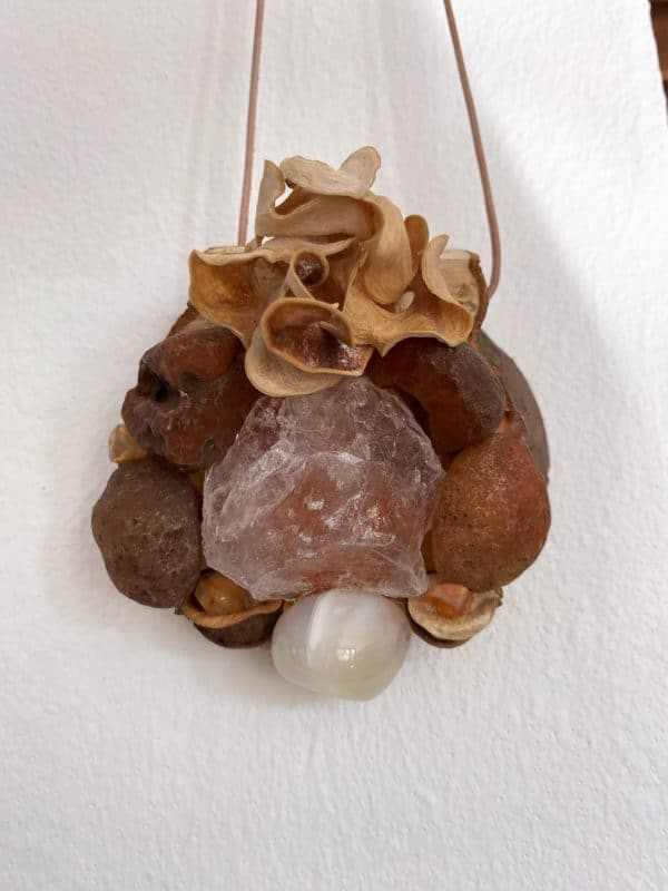 Tisch -Wand- Amulett Schwangerschaft  02 mit Carneol, weißem Achat und Bergkristall 1 SanjaNatur