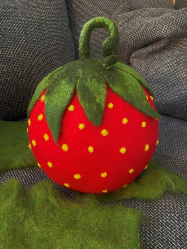 "Filzlampe Ø27cm 059 - Erdbeere ""Erdbert"" 1 SanjaNatur"
