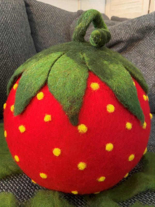 "Filzlampe Ø27cm 059 - Erdbeere ""Erdbert"" 2 SanjaNatur"
