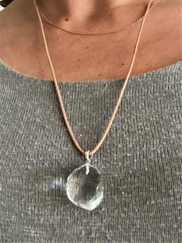 Edelsteinanhänger Bergkristall mit Halsband - Klarheit und Sicherheit 5 SanjaNatur