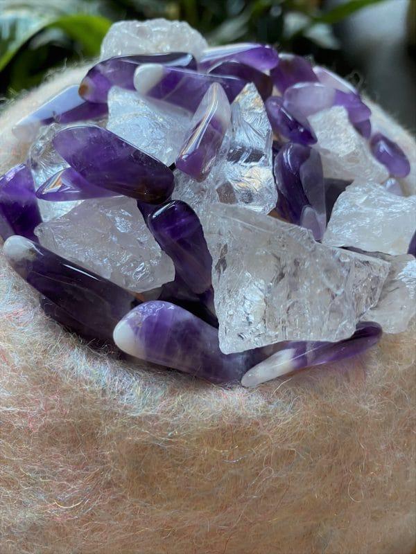 Edelstein Filzlampe 066 - violett + glanzfein weiß mit Amethyst, Bergkristall und Salzkristall 4 SanjaNatur