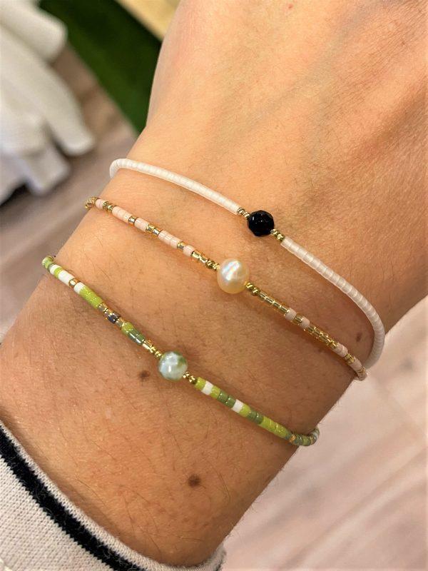 Zarte Armbänder mit Heilsteinen - Perle, Jade und schwarzer Turmalin 1 SanjaNatur