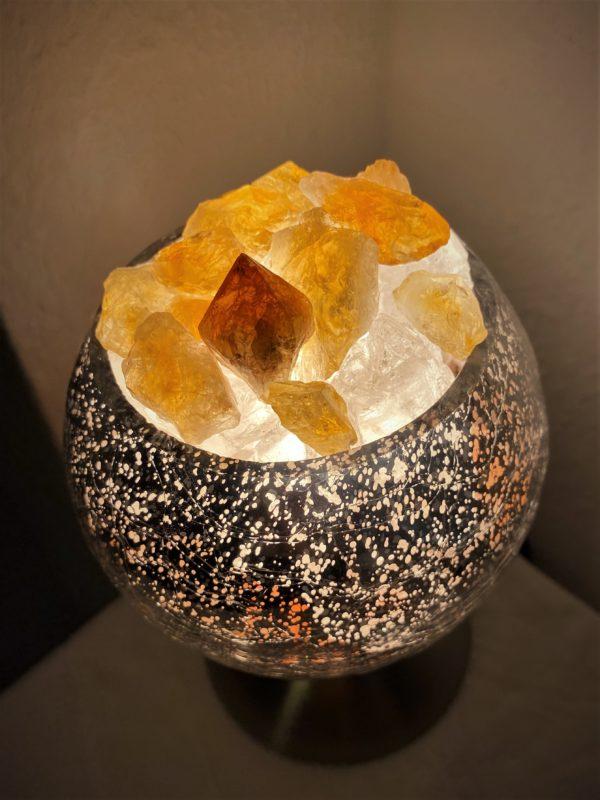 Heilstein Lampe 003 - silber spiegelnd mit Citrin, Bergkristall und Salzkristall 3 SanjaNatur