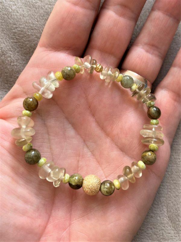 Edelsteinarmband Limonenquarz mit grünem Granat und Lizardit - Energie und Lebensfreude 1 SanjaNatur