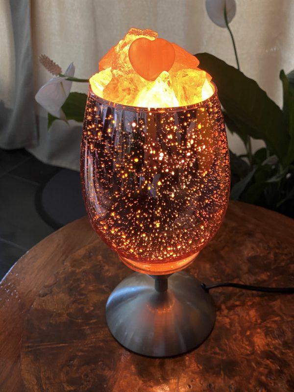Heilstein Lampe 001 - hellrosa spiegelnd mit Rosenquarz, Bergkristall und Salzkristall 4 SanjaNatur