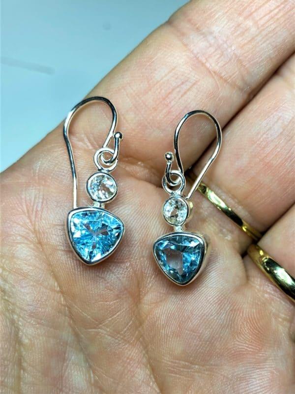 Edelstein Ohrhänger Topas - weiß und blau 1 SanjaNatur